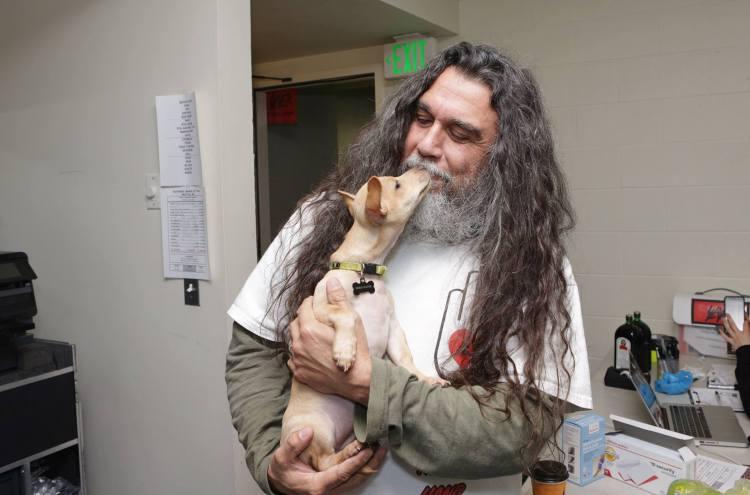 Tom-Araya-pup